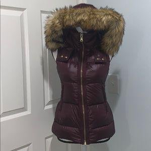 Vince Camuto vest faux fur hood down sz XS